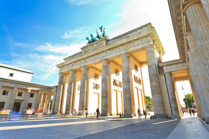 Brandenberg gate in day