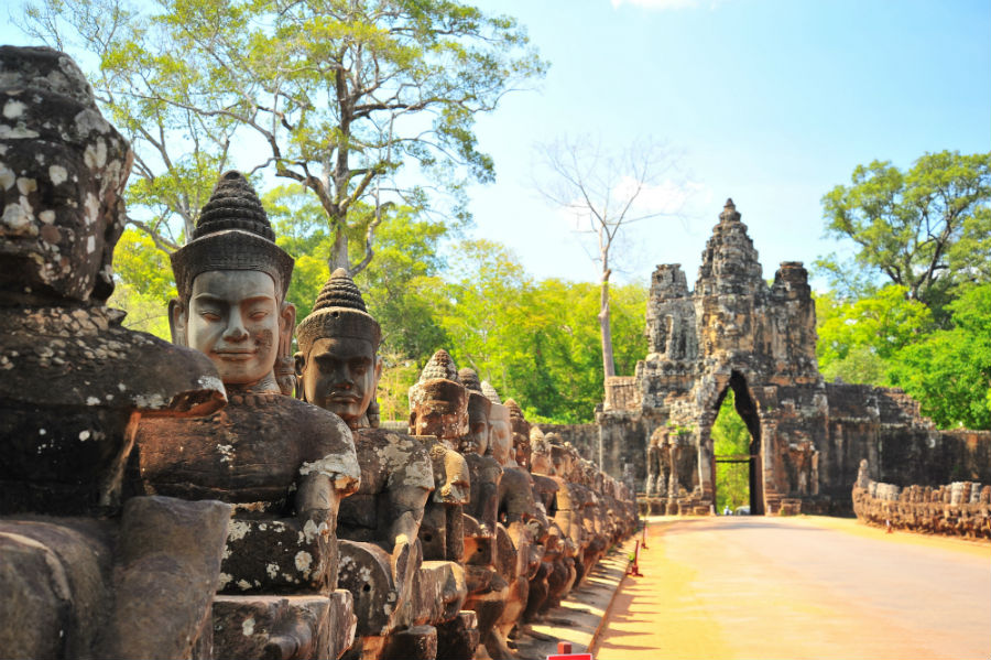 Stone Gate of Angkor Thom in Cambodia.jpg