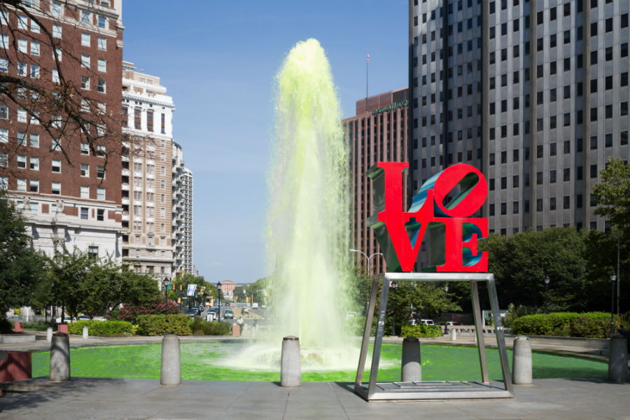 Green color fountain in Love park.jpg
