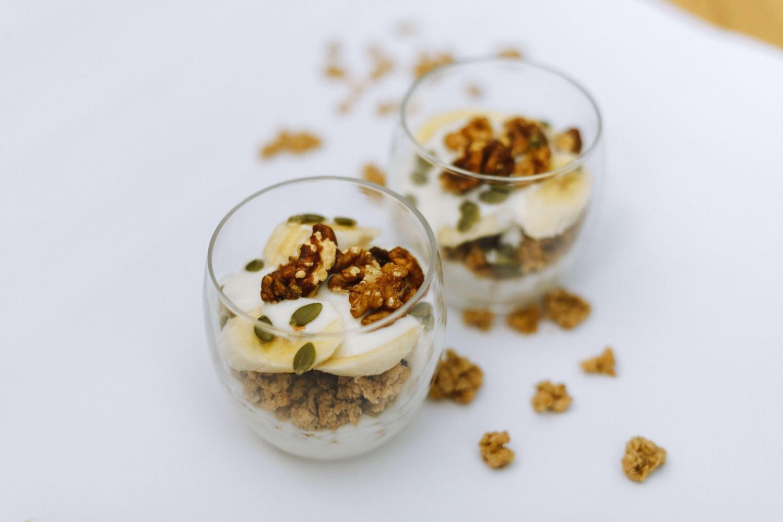 quick-healthy-breakfast-yogurt