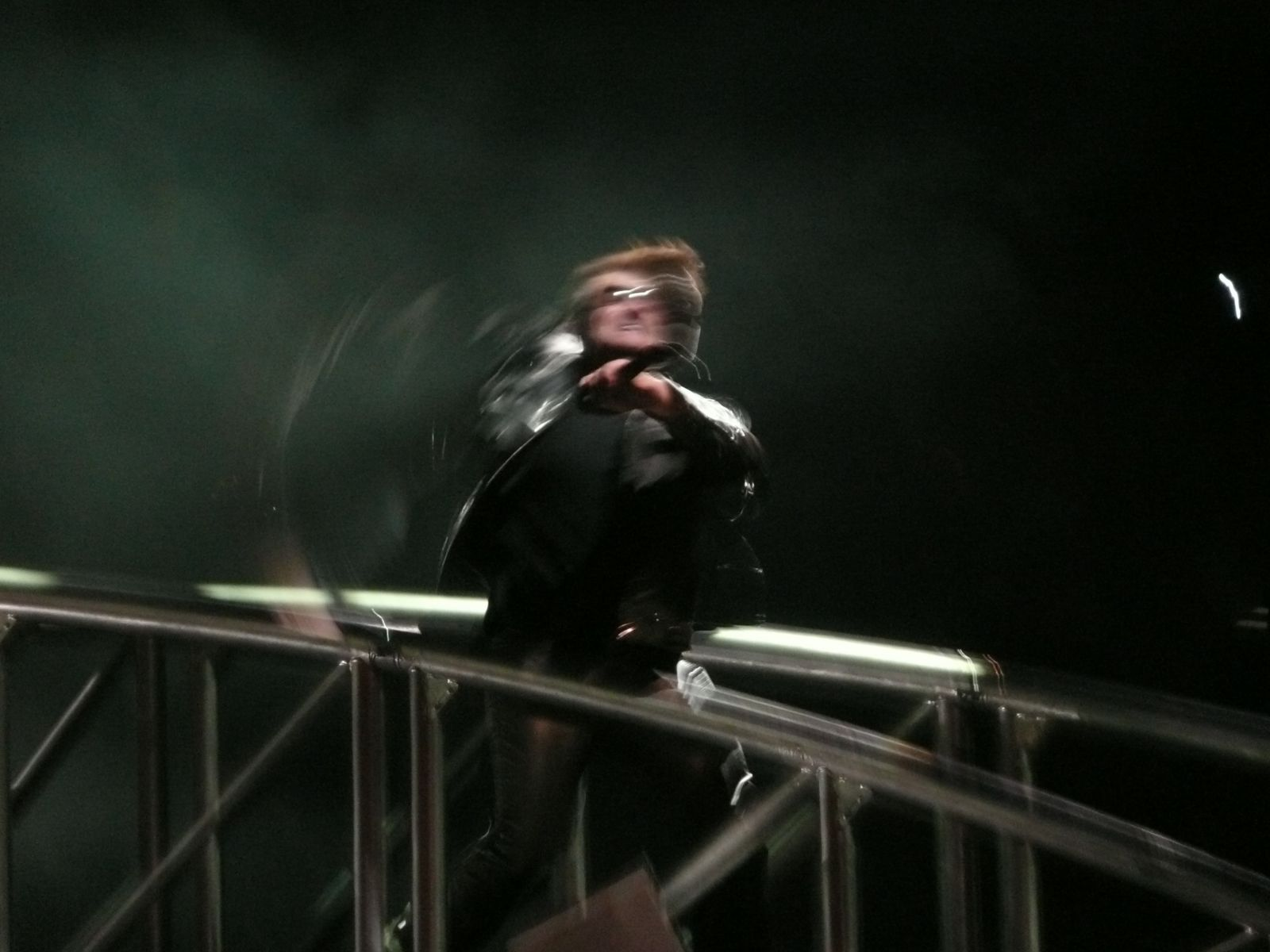 Bono (Dis)apparating during the show (Brussels 22/9/2010)