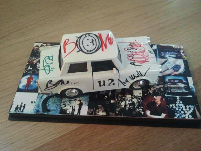 Achtung Baby - Trabant - Complete