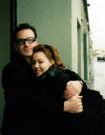 Laura And Bono, HQ LASchart