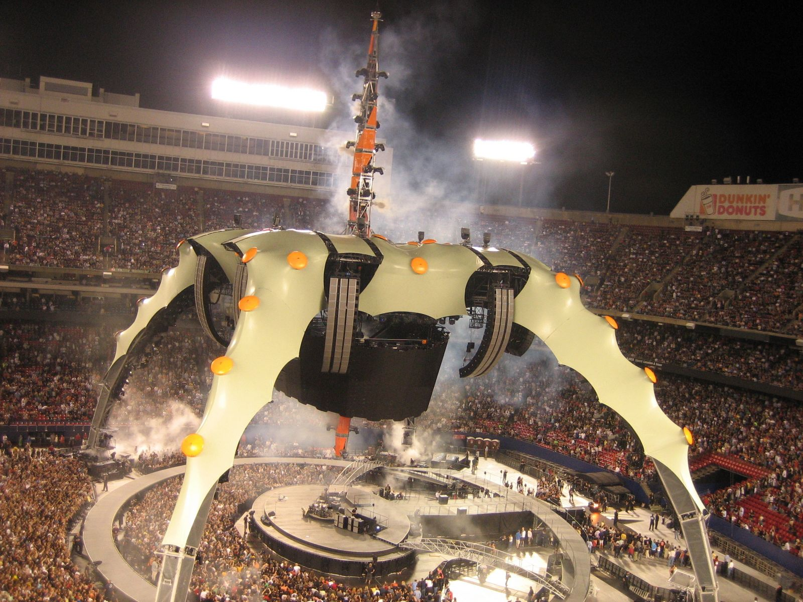 U2 360 @ Giants Stadium ready for lift off