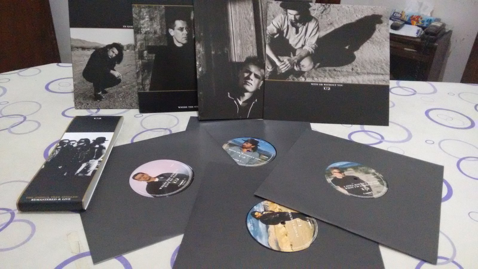 The Joshua Tree singles vinyl collection arrived!!!! :-)