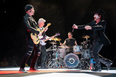 U2 performed in Las Vegas at Tmobile Arena on May 11, 2018 . Photos: Victor Chavez / IG: @fotografomx