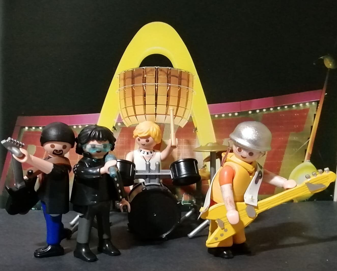 U2 Playmobil customs.jpg