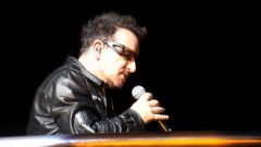 Bono walking on bridge singing Miss Sarajevo.jpg