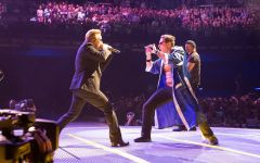 Eliezer and Bono in the Stage - Dublin