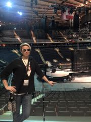 MSG Tour with I+E set and backstage