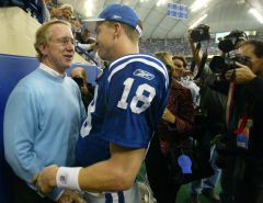 Peyton &  Dad Archie after 49th TD breaking  Marino's record