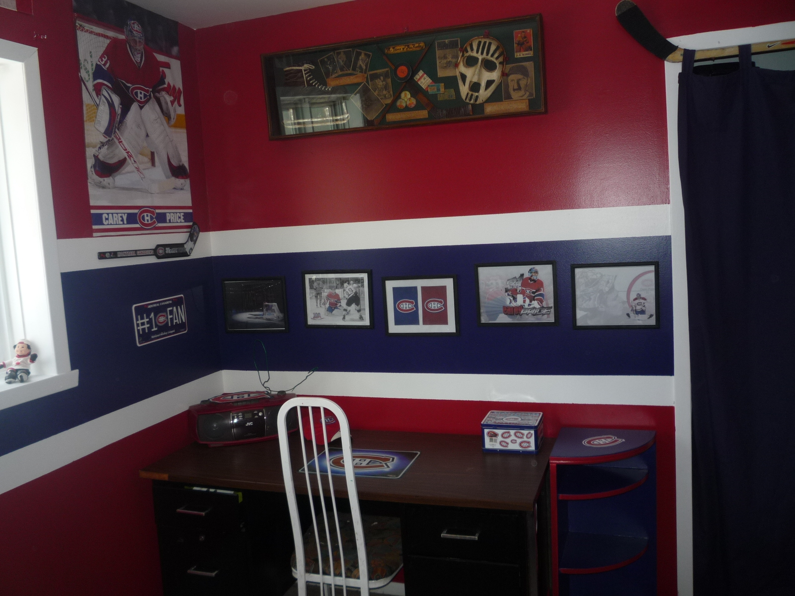 my kid 39 s hockey room habs fans partisans tricolore. Black Bedroom Furniture Sets. Home Design Ideas