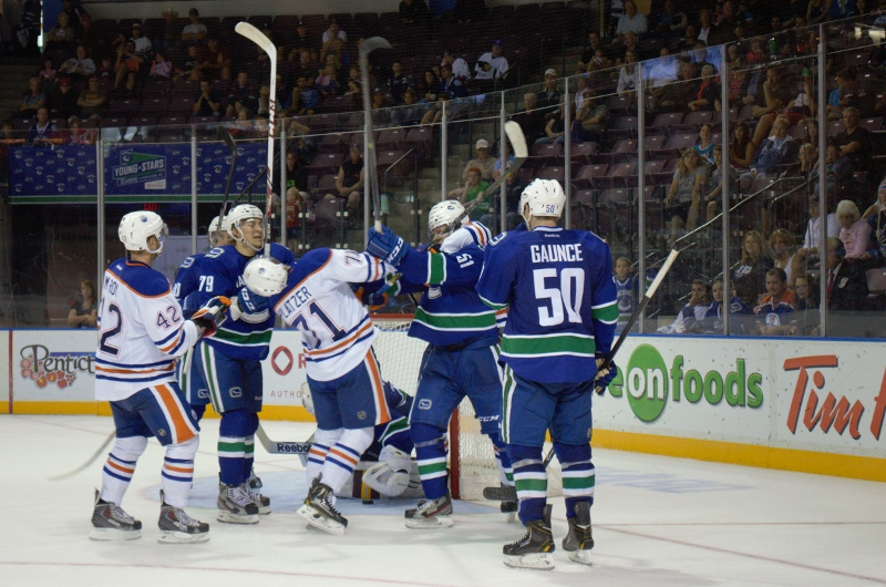 Young Stars canucks VS Oilers (745) (800x530)