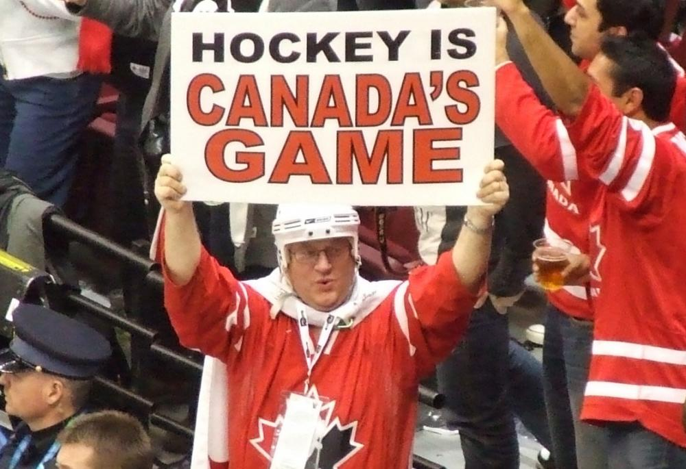 Team_Canada_fan_at_women's_ice_hockey_gold_medal_game_-_US_vs._Canada_at_2010_Winter_Olympics_2010-02-25.jpg