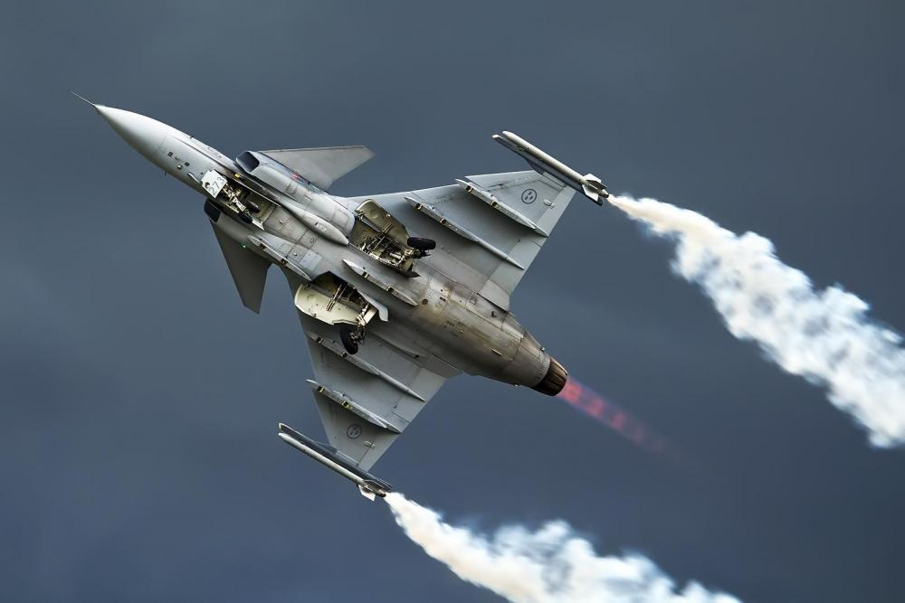 Saab_JAS-39C_Gripen,_Sweden_-_Air_Force_AN2279593.jpg