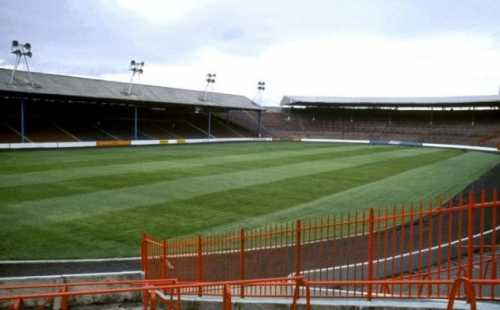 Anybody else miss the old Ibrox ).jpg