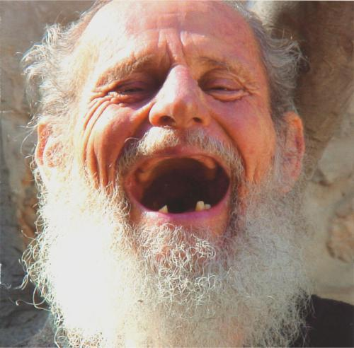 israel-125year-old-man-laughing.jpg