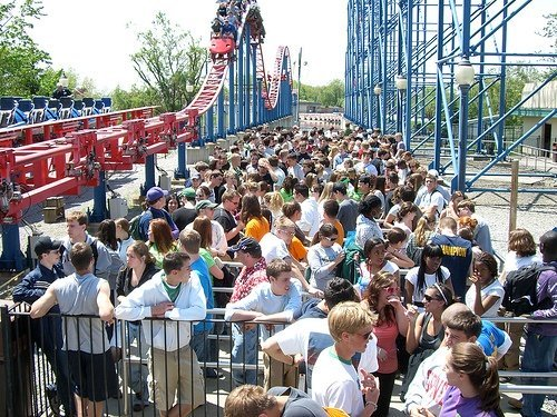 Beyond FastPass+: How Amusement Parks Can Cut Lines With Digital Queuing