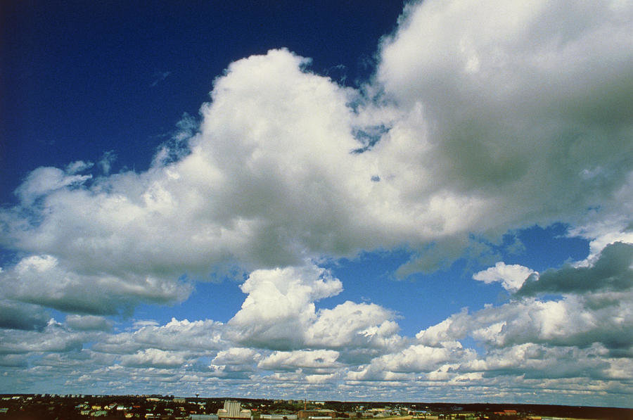 sky-with-fair-weather-cumulus-clouds-pek