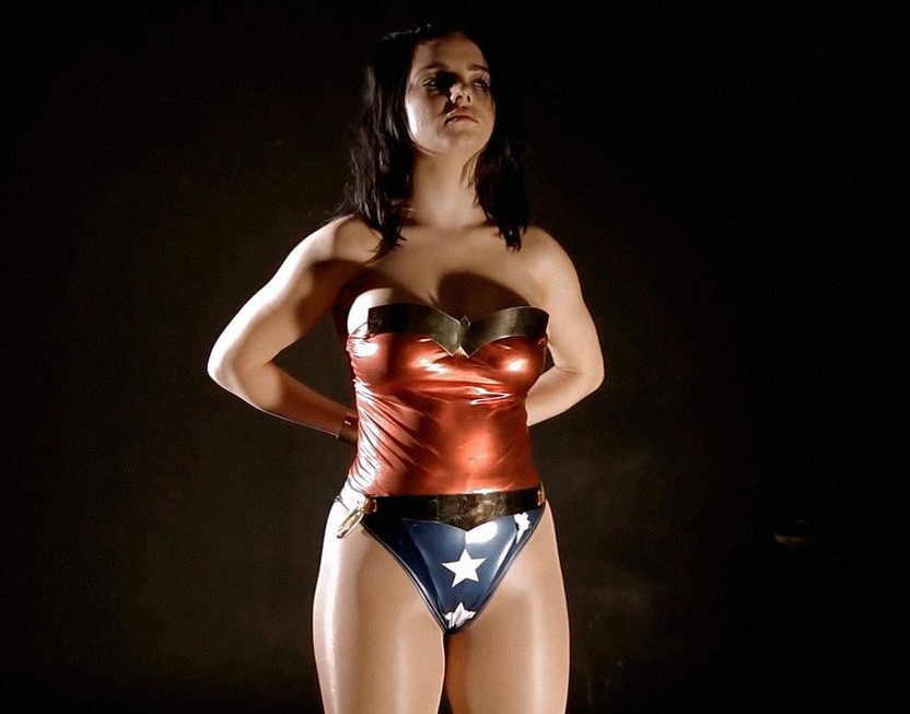 wonder_woman_in_peril___1____cosplay_by_c_edward-d8wth7p.jpg