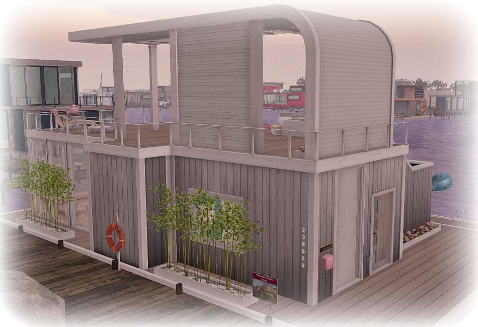 Bellisseria Houseboat Wallower Outside front.jpg