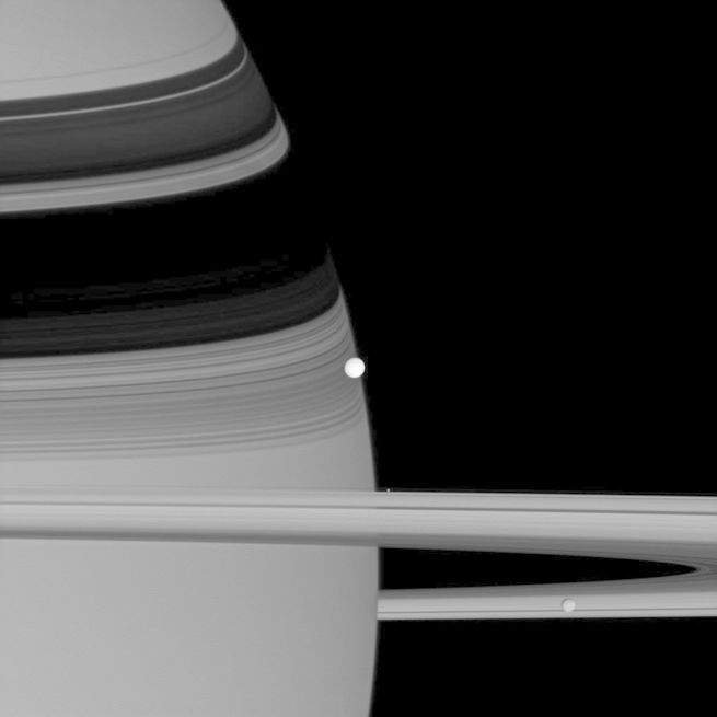 colorful_saturn with 53 moons  2.jpg