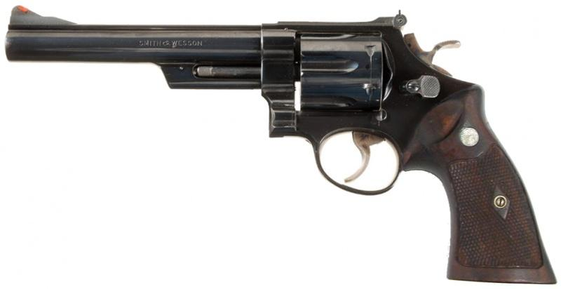 800px-Smith_&_Wesson_.44_Magnum_Revolver.jpg