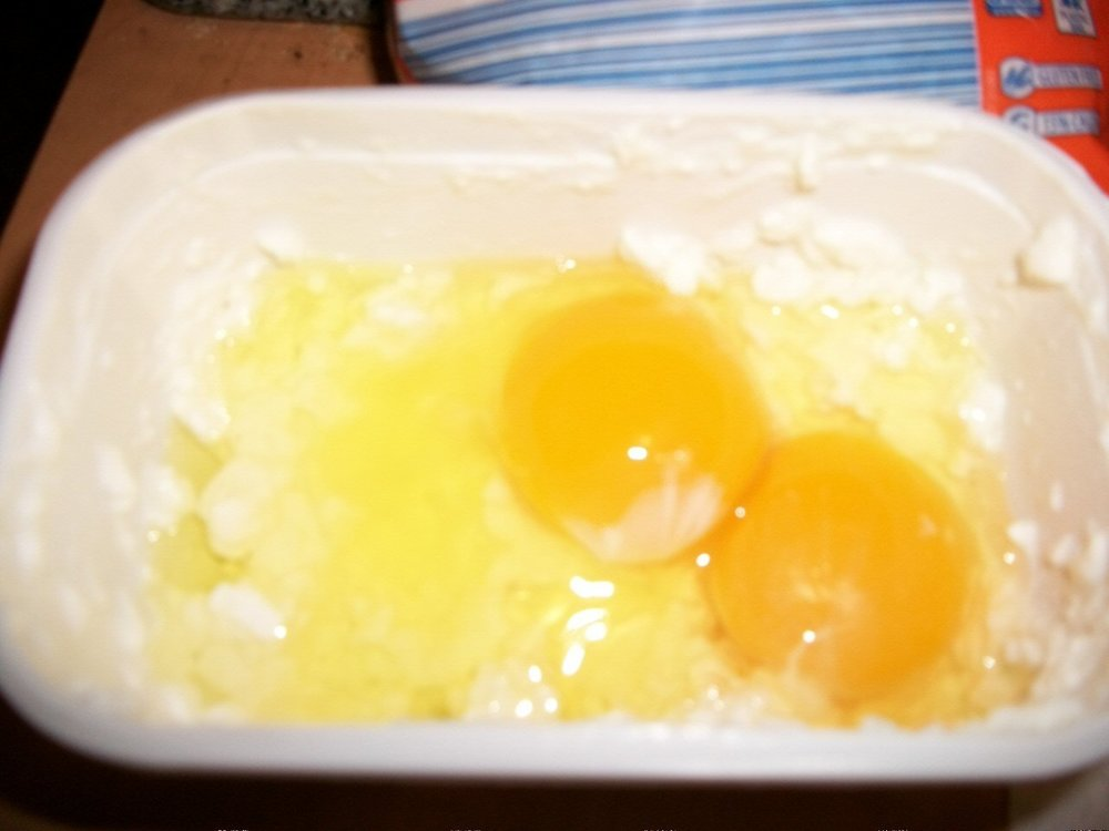 101_0997 mix cottage cheese and eggs.jpg