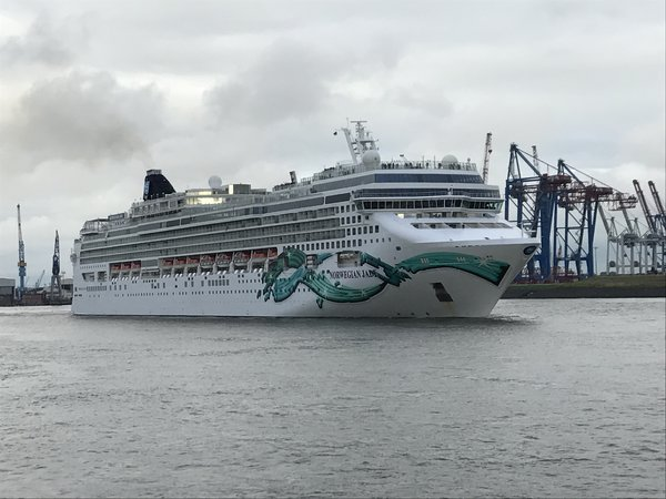 NCL Jade in Norway
