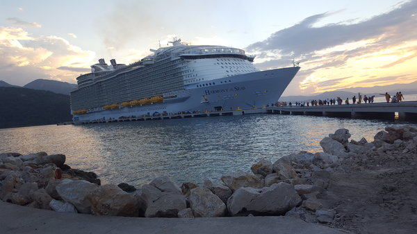 20181116_1Harmony of the Seas at Labadee.jpg
