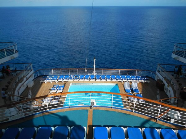 Caribbean Princess Aft Pool.jpg