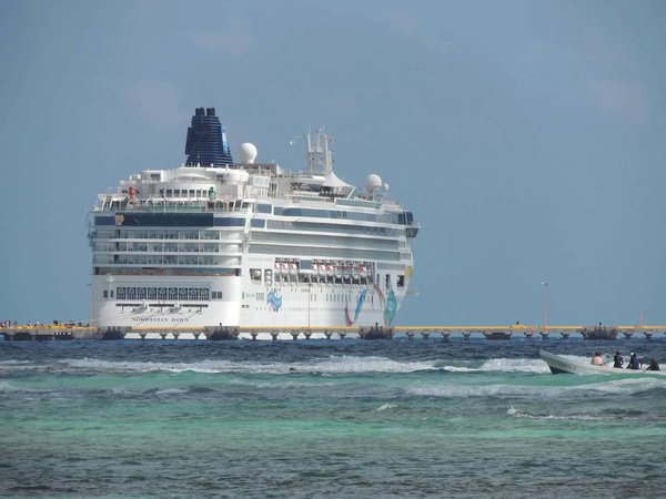 Norwegian Dawn in Costa Maya.jpg
