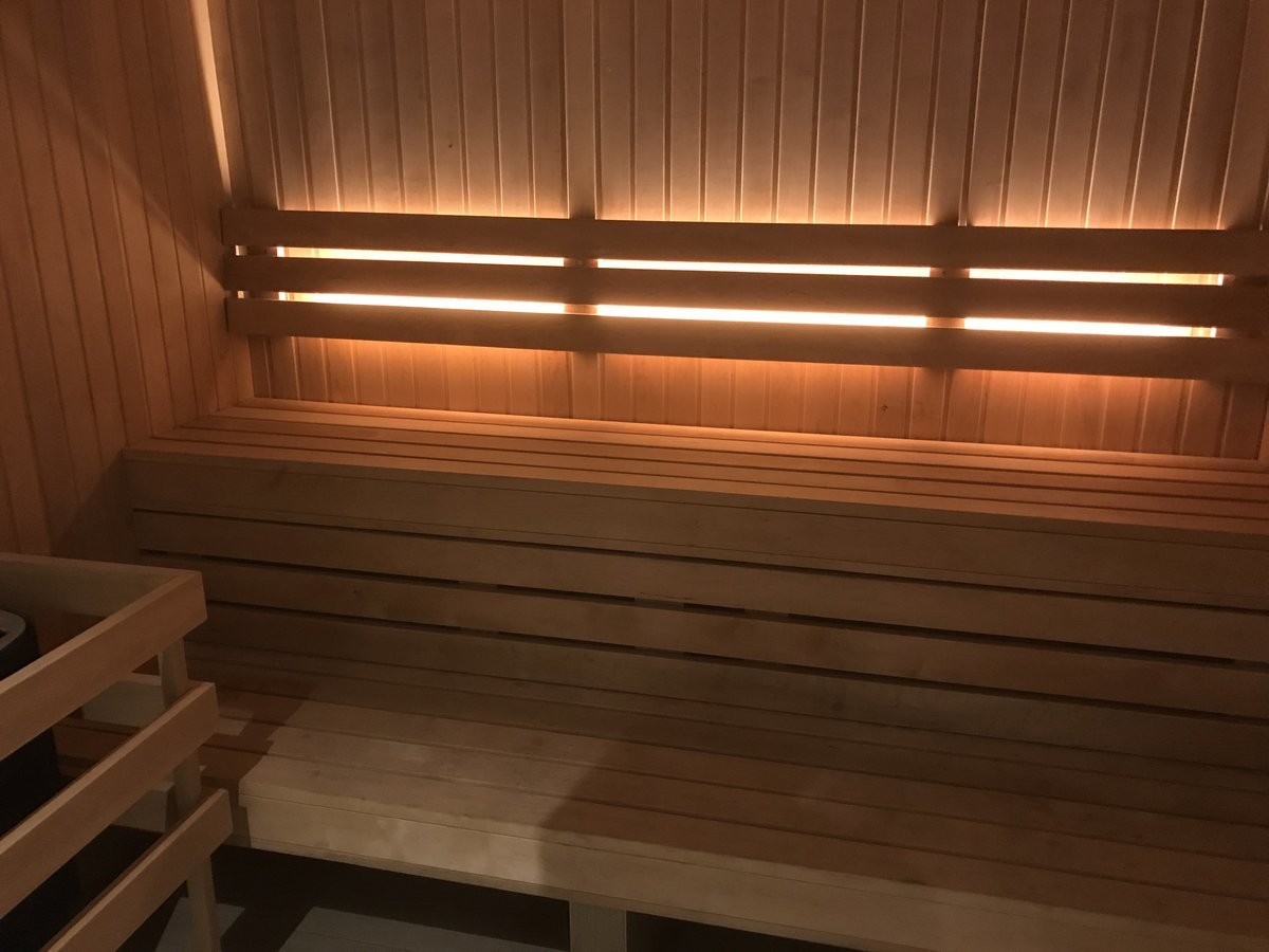 naked sauna for couple in volos
