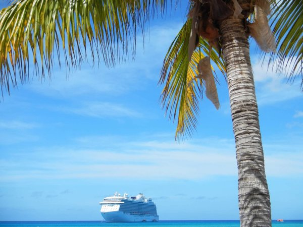 Regal Princess at Princess Cays.jpg