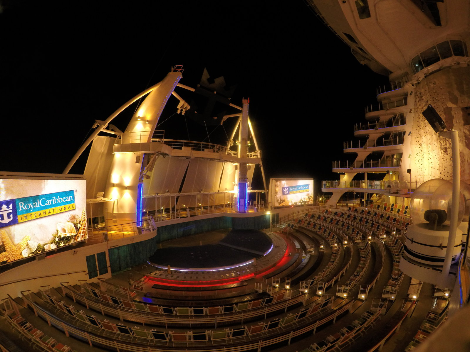 Aqua Theater Oasis Of The Seas