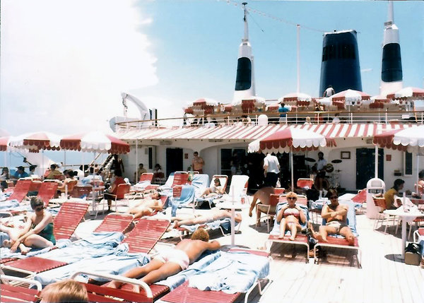 Mardi Gras pool and open decks, Aug 1984.jpg