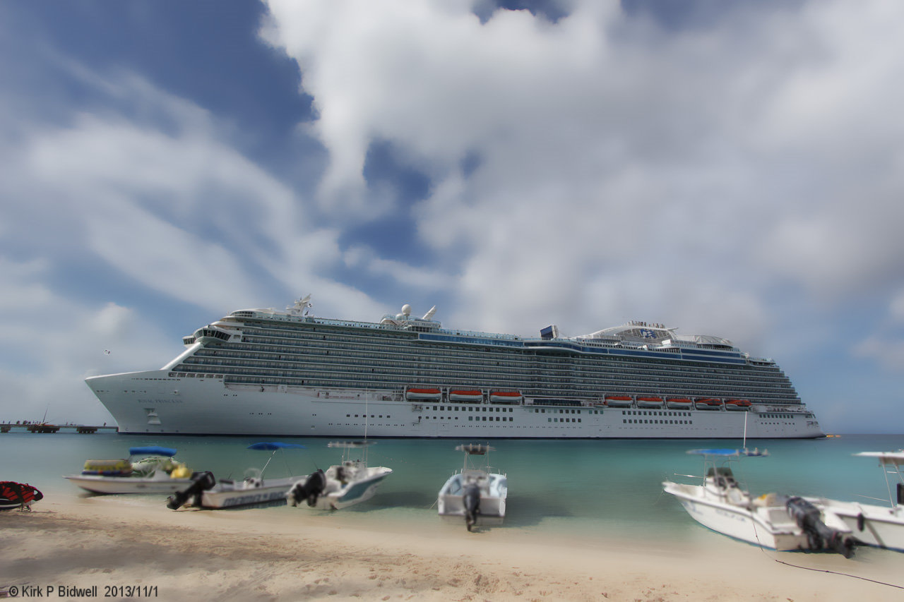Royal Princess 2013-11-01 Grand Turk cr.jpg