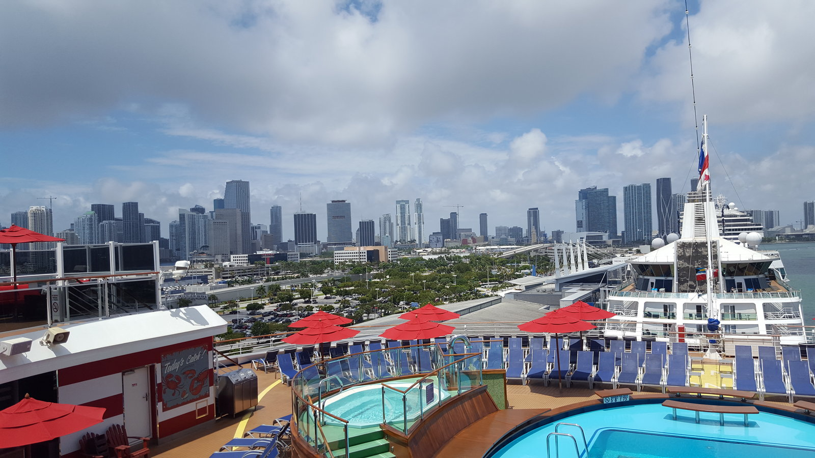 Carnival Horizon - Miami - May 2019.jpg