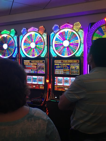Getaway Casino Wheel of Fortune Machines.JPG