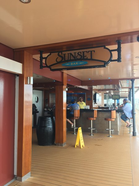 Getaway Sunset Bar 2.JPG