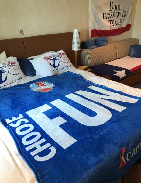 room deco... Carnival Vista