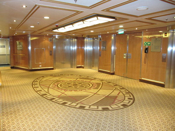 Regal Princess - Elevators