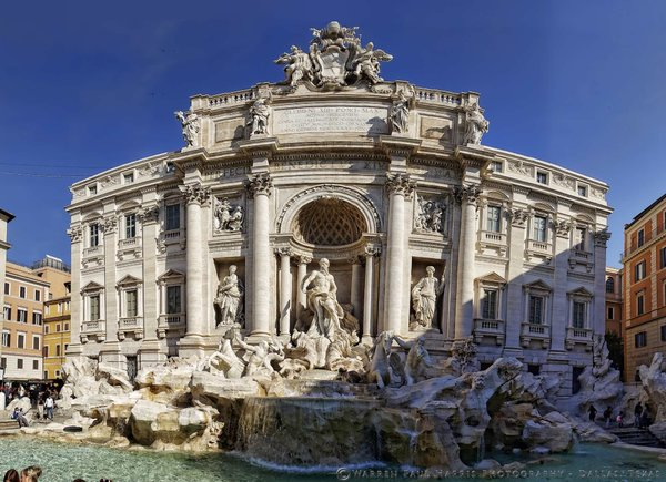 Trevi Fountain Pano.jpg