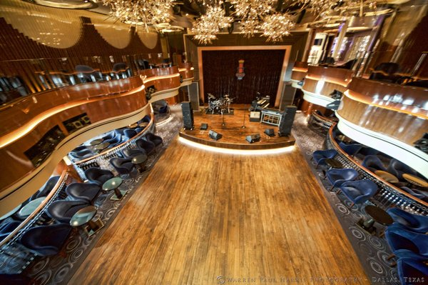 Koningsdam BB King Stage.jpg