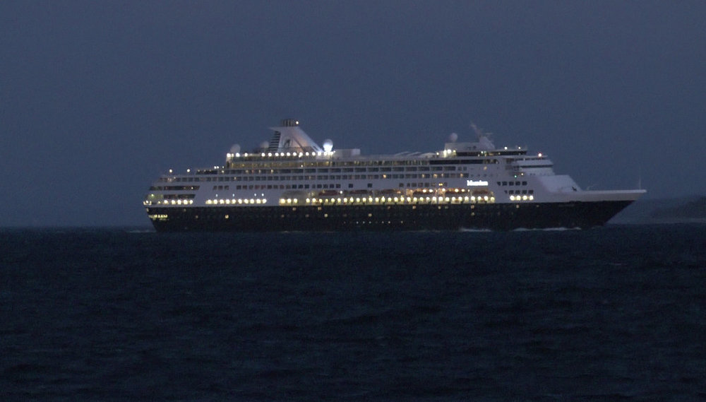Maasdam exits Port Phillip Bay.jpg