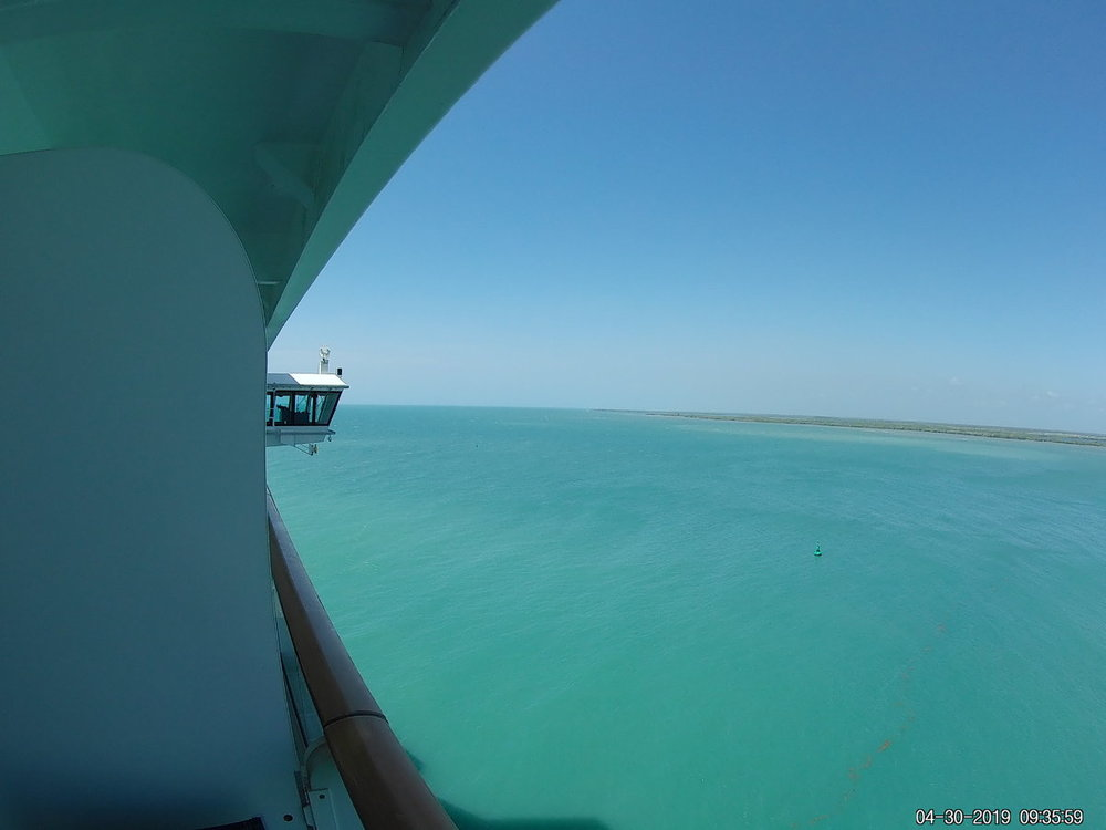 Pulling Into Harvest Caye 2.JPG