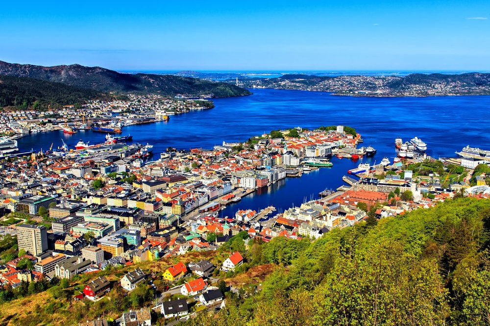bn21-bergen_panoramic_with_mount_flyen-istock-529461751_0.jpg