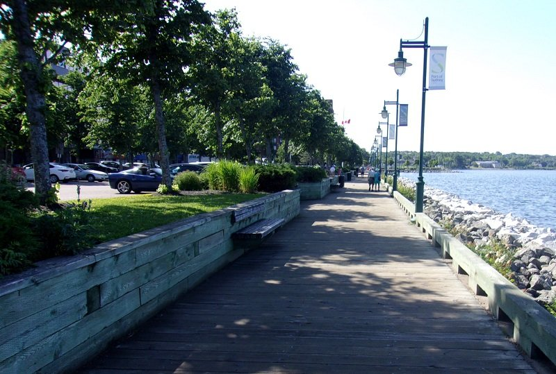 376921067_waterfrontboardwalk2.jpg.f4f488b58839794929c68fe11889c040.jpg