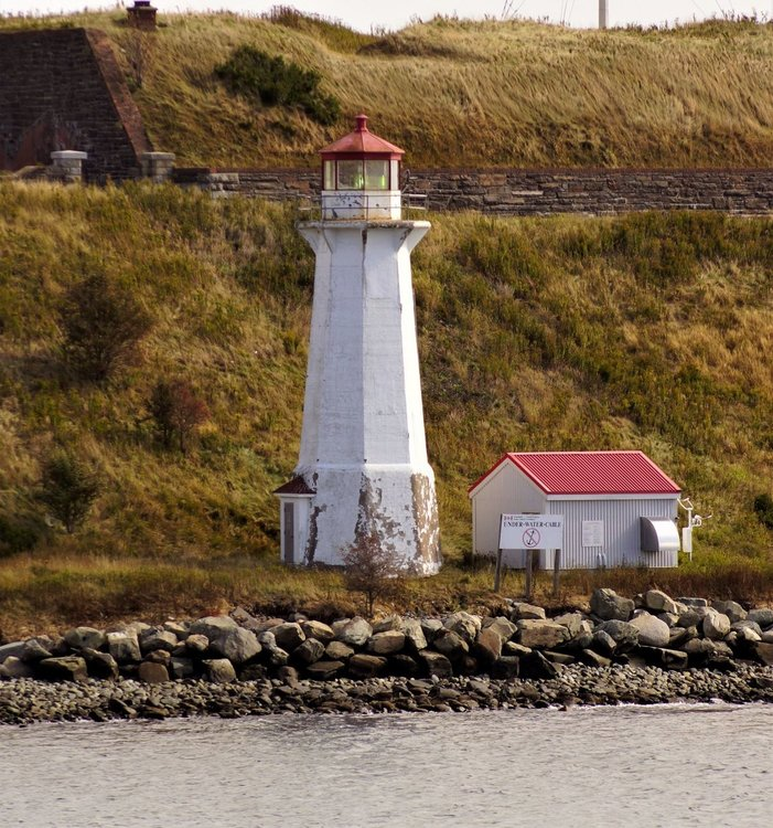 164000981_lighthouseintheday.thumb.JPG.c54e654e28cd5ba906fa476a615f9e2b.JPG