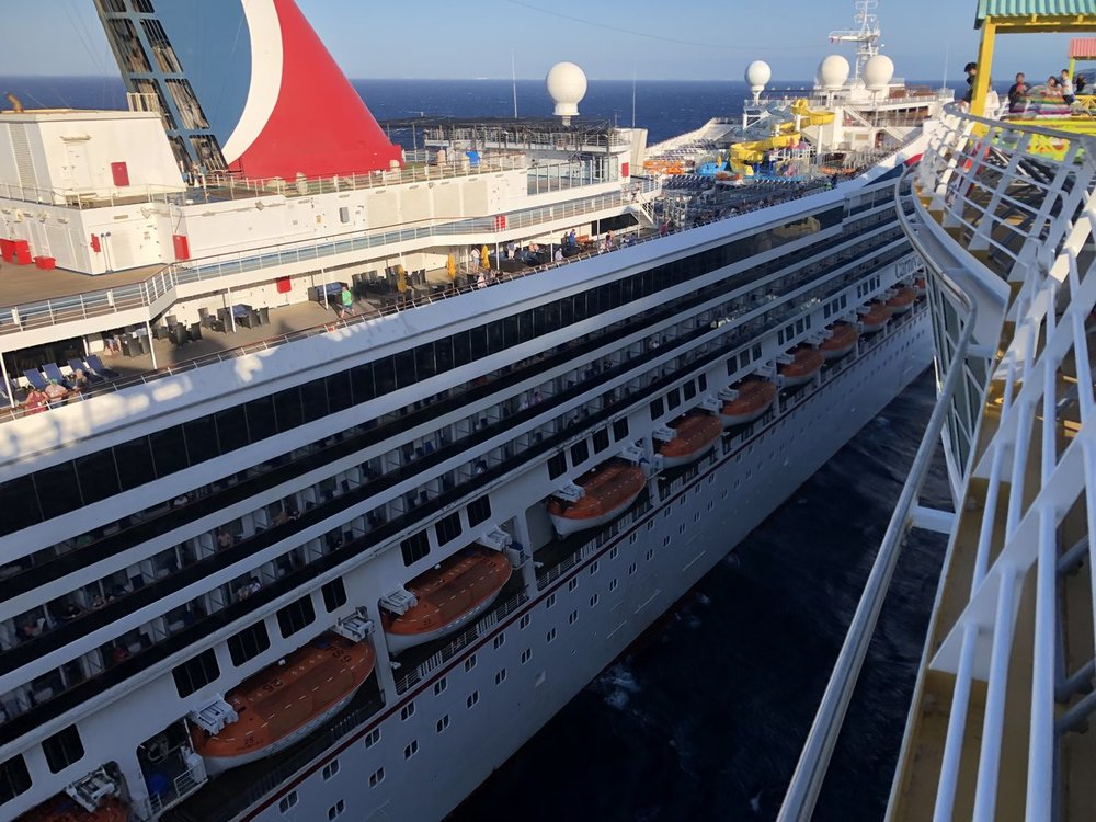 Glory crashes with Legend in Cozumel - Carnival Cruise ...